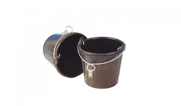 Gummischlagpüts 7 5l mit verzinktem Bügel mit Auge und Kausch